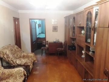 2-х комнатная возле м.Нефтчиляр