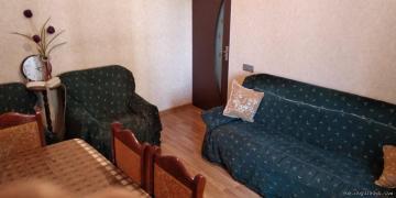 Продается в Ахмедлы(в районе украинского круга) 4 комнатная