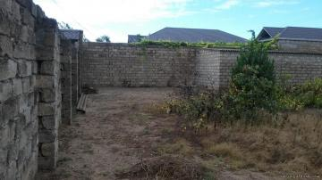 Продам земельный участок с постройкой